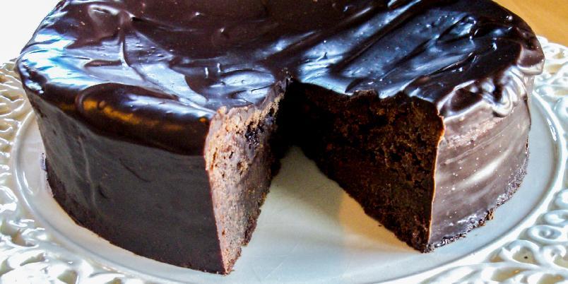 """Konfektkake av sjokolade - Dette er en berømt, amerikansk sjokoladekake som heter """"To die for Chocolate Cake"""". Farlig tittel, men smaken er himmelsk!"""