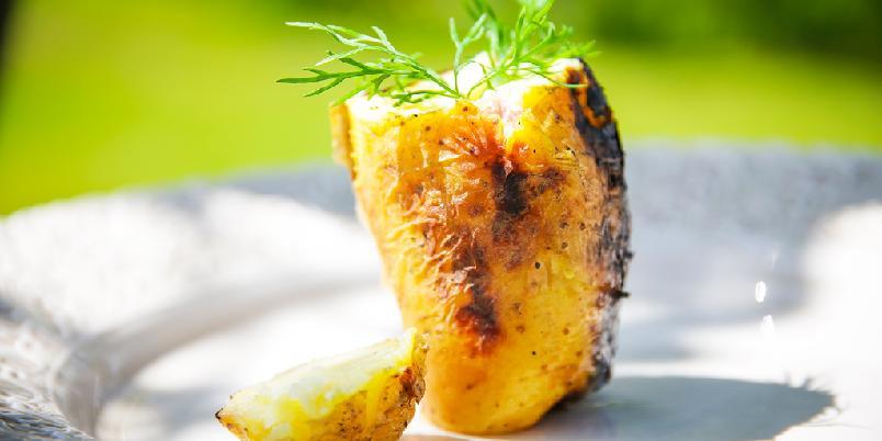 Bakt potet på grillen - Her er oppskriften som gjør bakt potet på grillen veldig godt.