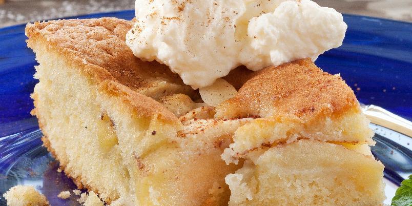 Eplekake i langpanne - Er du glad i epler kan du gjerne tilsette flere epler enn det som står i oppskriften.