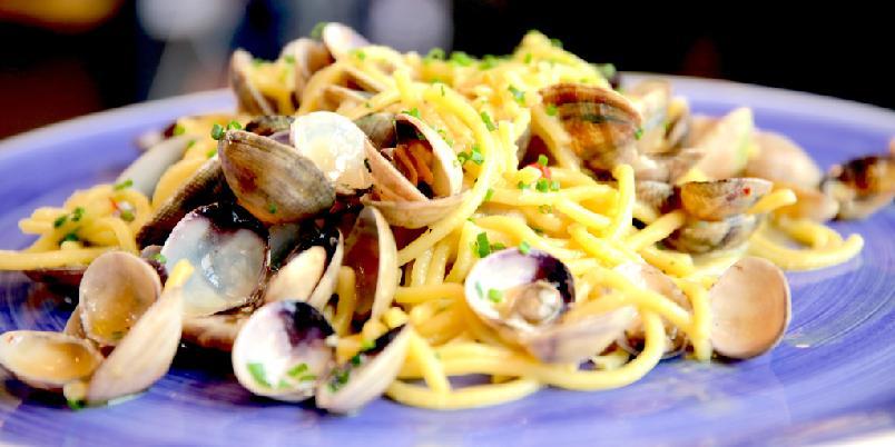 Pasta vongole - Pasta vongole lager du enklest på denne måten.