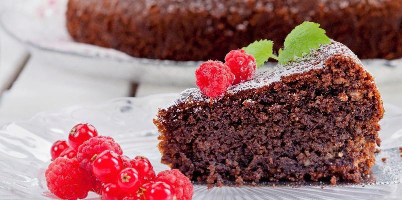 Sjokoladekake uten mel - I denne kaken er alt hvetemel erstattet med mandler og sjokolade. Server den gjerne med krem og bær.