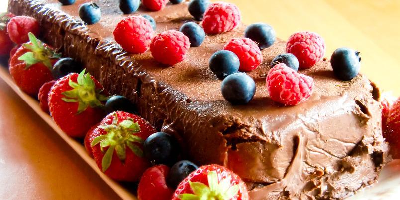 Terrine med sjokoladetrøffel og bær - Nydelig sjokoladedessert!