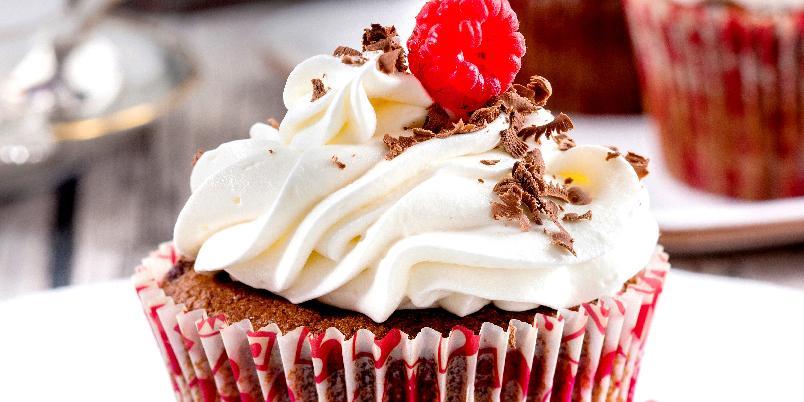 Sjokomuffins - Her får du oppskriften på muffins med hvit sjokoladetopping!