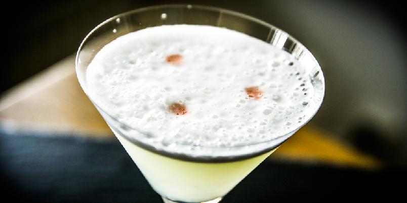 Pisco Sour - Dette er nasjonaldrinken i Peru. Den er basert på det lokale druebrennevinet Pisco, og har en frisk, sursøt smak, samt en fløyelsaktig munnfølelse.