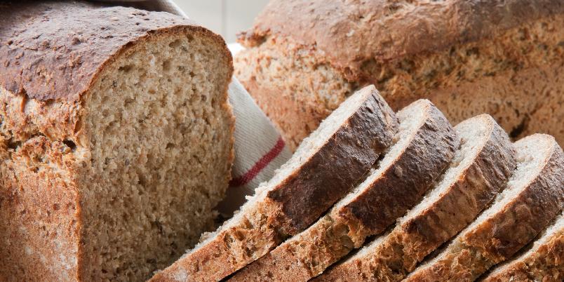 Emils rugbrød - Dette brødet stammer fra vår trofaste Hjemmet-leser Alf Emil Pedersen (78).