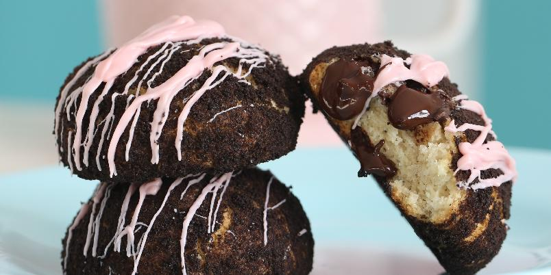 Oreo Cheesecake Cookies - Dette er en blanding mellom ostekake og kjeks, bestående av favoritten Oreo!