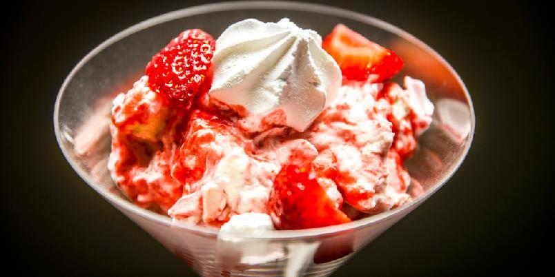 Eton Mess - Eton Mess er den enkle desserten som passer til alle lag ...