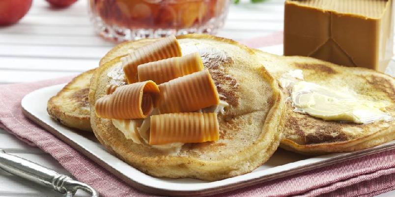 Saftige sveler - Tradisjonsrike sveler smaker nydelig med syltetøy og brunost til kaffen!