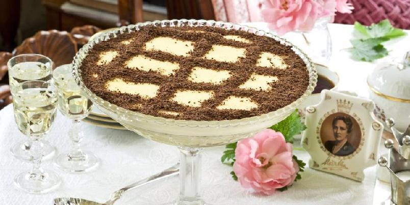 Dronning Maud-fromasj - Her får du oppskriften på denne kongelige desserten.