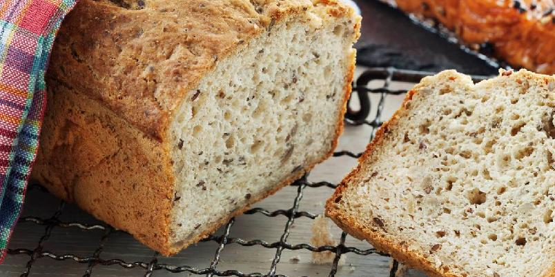 Glutenfritt brød - Denne oppskriften holder til ett brød.