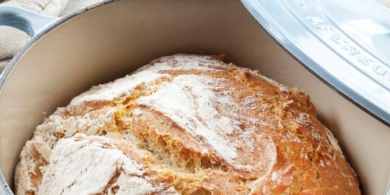Eltefritt brød i gryte - Denne oppskriften holder til ett stort brød.