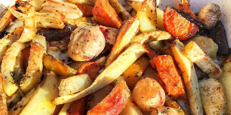 Ovnsbakte rotgrønnsaker - Å bake grønnsaker i ovnen er en smart måte å lage grønnsaker på.