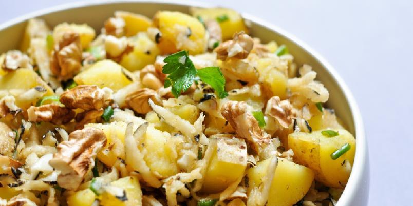 Potet- og reddiksalat - En frisk og superfin salat som kan lages når som helst.