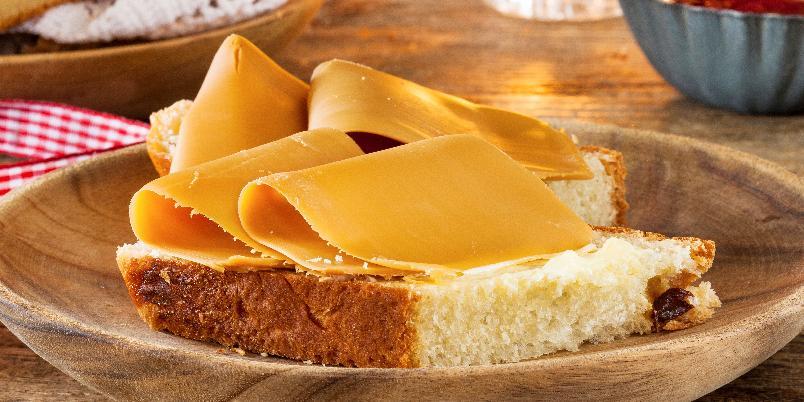 Julekake - Denne oppskriften gir to brød.