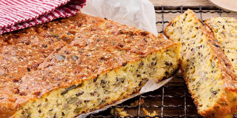 Glutenfritt brød - Dette brødet er saftig og helt uten mel.