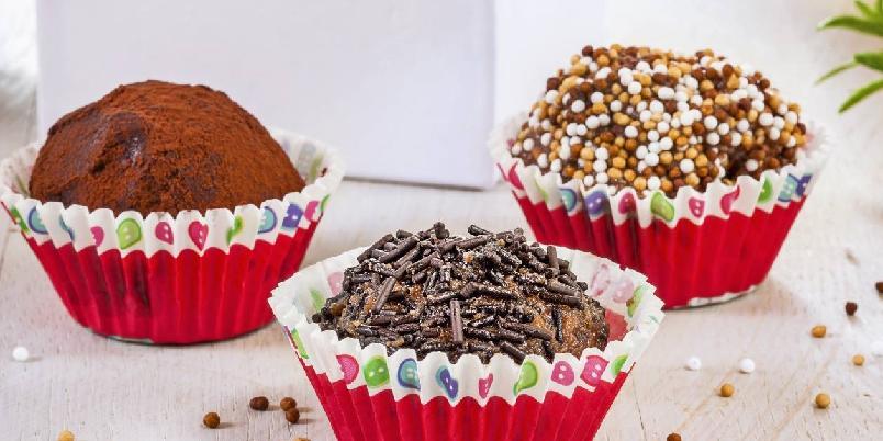 Punsjboller - Punsjboller er supre å lage hvis du har noen kakerester til overs!