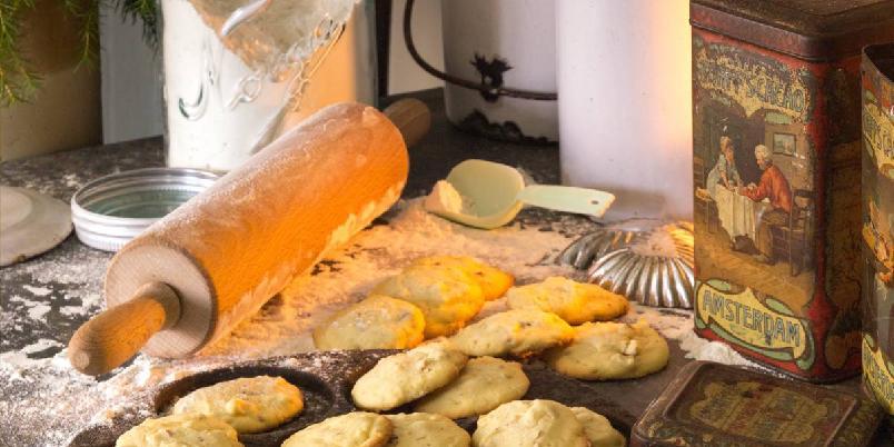Prostinnens beste - Kaker med god smak av ekte meierismør holder seg lenge myke i kakeboksen. Oppskriften gir ca. 40 kaker.