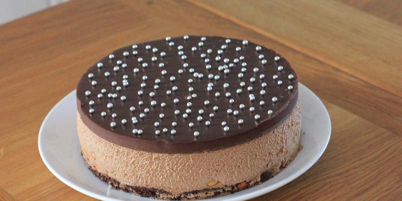 Delikat sjokolademoussekake - Dette er den ultimate festkaken!