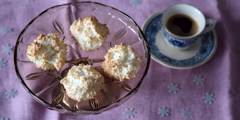 Farmor Gerds kokosmakroner - Kjempeenkle å lage, og smaker nydelig.