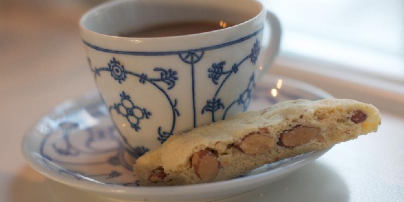 Biscotti med pistasjnøtter - Supergodt til en kopp kaffe eller te. Dypp den gjerne.