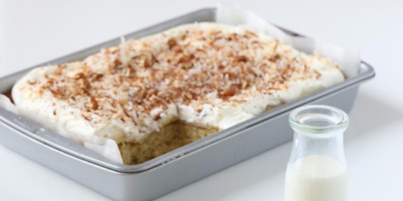 Vaniljekake i langpanne - Nydelig og saftig kake med vaniljesmak.
