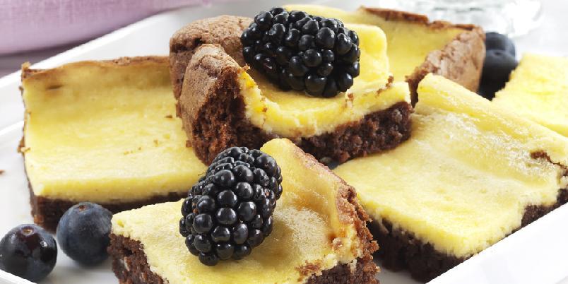 Lys og mørk ostekake - Deilig og fristende ostekake med både lys og mørk deig!