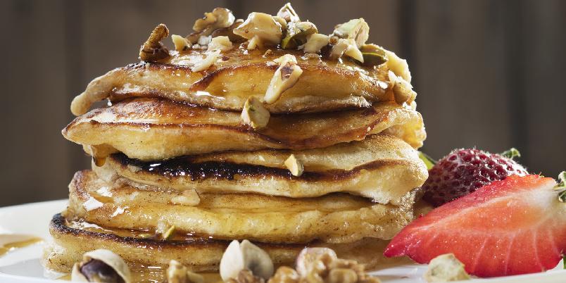 Amerikanske pannekaker - Hva med å servere amerikanske pannekaker til frokost? De tykke gode pannekakene blir gjerne servert med lønnesirup.