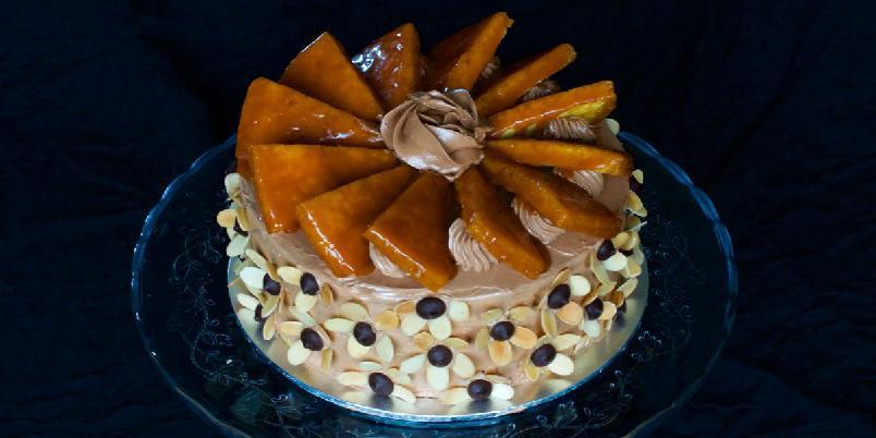 Dobos Torte - Dobos Torte er berømt i Europa, og ble oppfunnet av den ungarske konditoren Jozsef C. Dobos i 1884. Det er en ekstravangant kake, som ikke er vanskelig å lage, men det tar litt tid. Og det er verdt arbeidet!