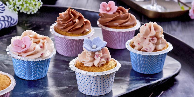 Vakre cupcakes - Dette er en grunnoppskrift som kan brukes til alle typer muffins. Om du ønsker, kan du tilsette andre smaker i røren.