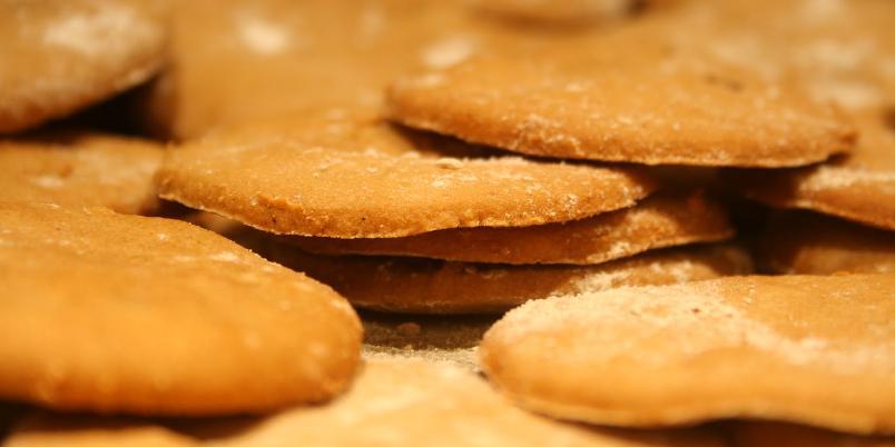 Pepperkaker uten gluten og melk - Knallgode pepperkaker med masse smak er fullt mulig å lage uten både gluten, melk og egg. Se bare her!