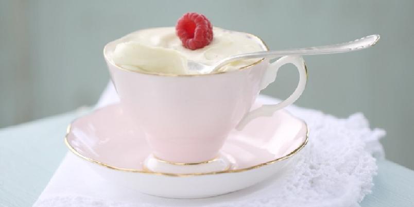 Hvit sjokolademousse - Har du smakt hvit sjokolademousse? Nydelig...