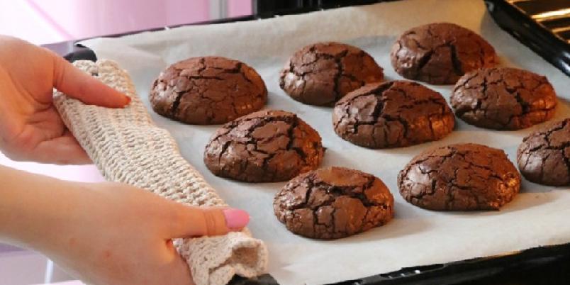Sjokoladetrøffelkjeks - Sprø utenpå, myke inni...