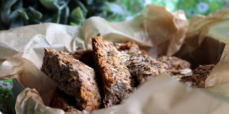 Glutenfrie muslibarer - Et kjapt mellommåltid som fungerer like bra på kontoret som på tur er noe mange som reagerer på gluten savner. Hvorfor ikke bake dine egne muslibarer?