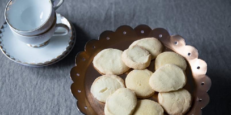 Smørkjeks - Nybakte smørkjeks, eller shortbread, smaker fantastisk til en kopp te...