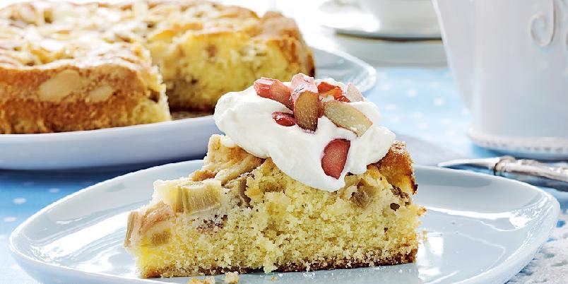 Rabarbrakake - Prøvd rabarbra i kake før? Aldeles nydelig...
