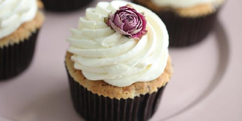 Glutenfrie banancupcakes med karamellfyll - En herlig smakskombinasjon...