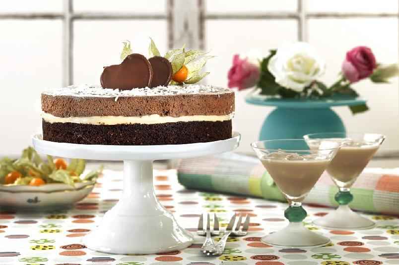 Sjokolademoussekake - Sjokolademousse og kake i ett?! Ubeskrivelig digg!
