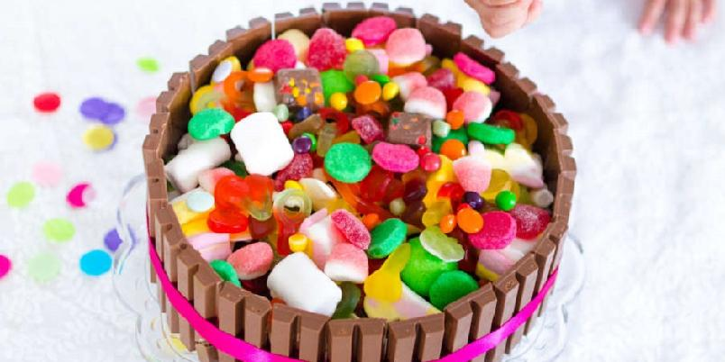 Sjokoladekake til barnebursdag - Én oppskrift, tre sjokoladekaker!