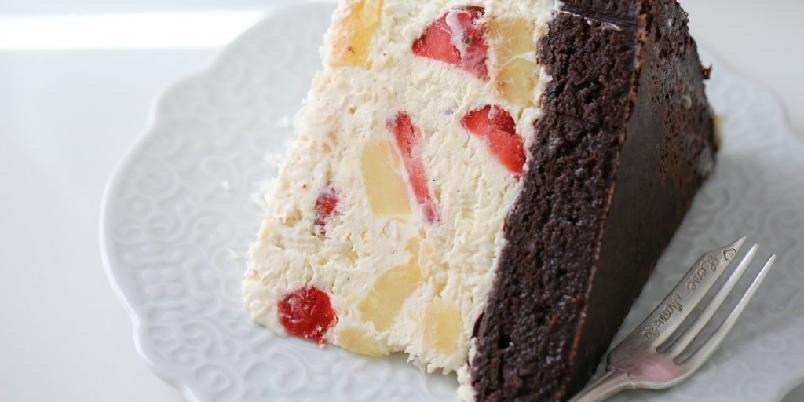Tropisk iskremkake - Prøv denne herligheten neste gang du er fysen på iskake!