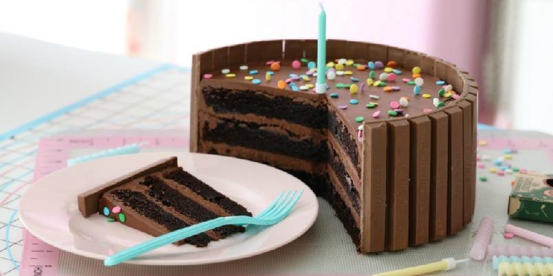 Kit-kat sjokoladekake - Elsker du sjokolade, elsker du denne.