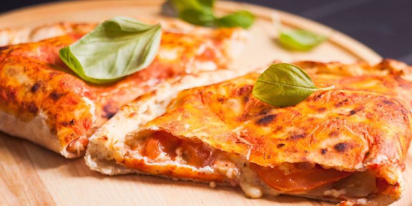 Calzone med bogskinke - Innbakt pizza er godt egnet som nistemat.