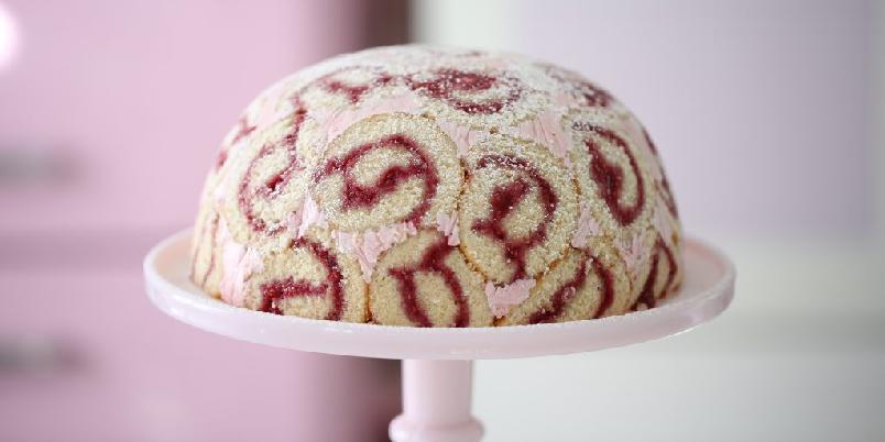 Charlotte royale - Denne kaken er perfekt å servere til enhver anledning.