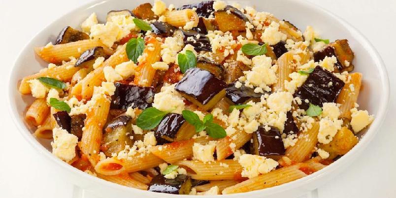 Pasta alla norma - I denne sicilianske klassikeren spiller aubergine og lagret ricotta hovedrollene.